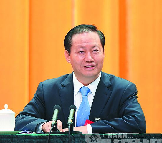 全区经济工作会议在南宁举行