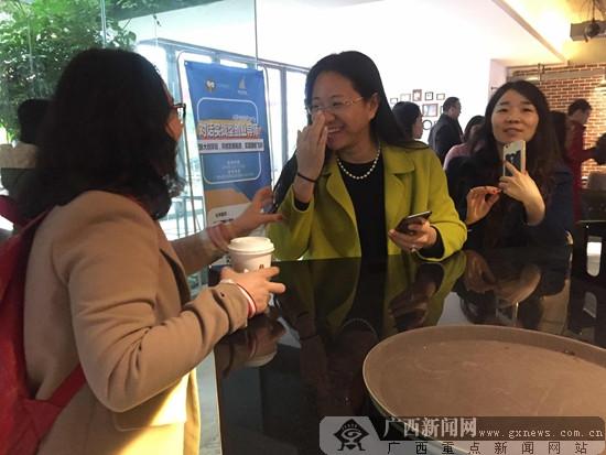 """""""科大男""""设计音乐""""小蛮腰"""" 科研能力""""爆表""""圈粉"""