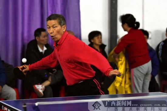 桂林叠彩区举行迎新春乒乓球邀请赛 百名选手参赛