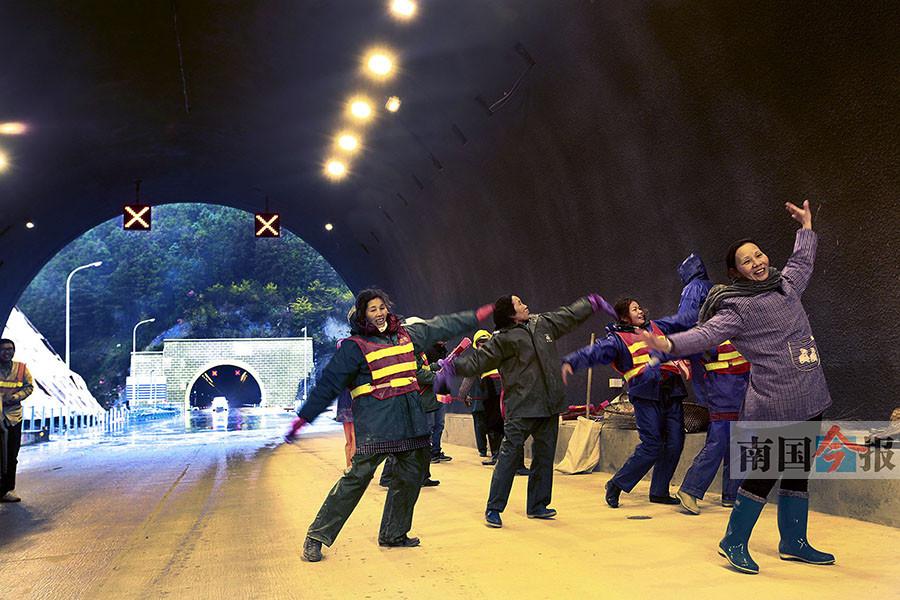 1月13日焦点图:三柳高速路计划1月18日通车试运营