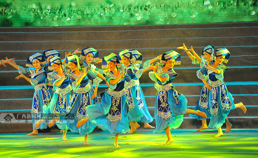 百色市右江区举行2017年春节联欢晚会(图)