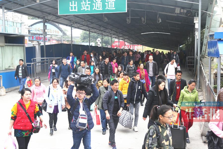 元宵节前后往京沪等火车票紧张 广州方向仍有余票