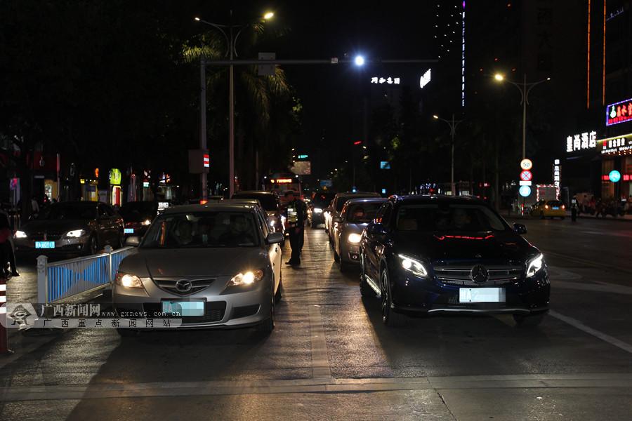 南宁交警持续开展夜查行动 一批改装车信息被曝光