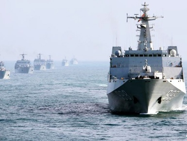 南海舰队一编队出海训练