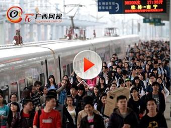 高校开学在即学生返校 铁路迎来客流小高峰
