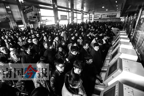 柳州火车站西站房3月1日启用 将改由西广场进站-广西 ...