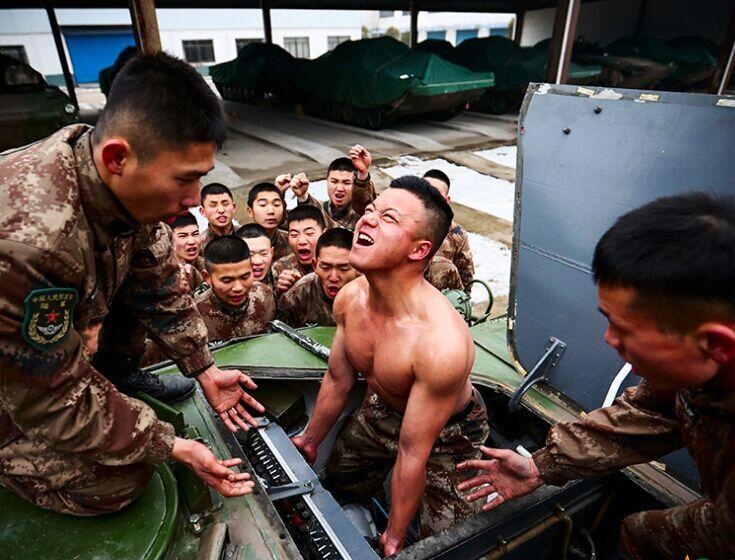 一个普通装甲步兵班的自我修养