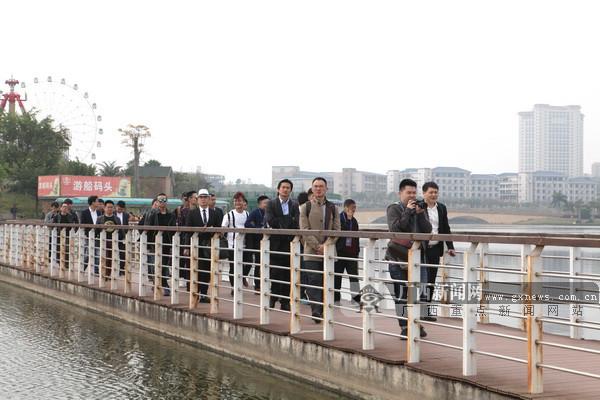 玫瑰湖畔和风正好 百名客商实地考察梧州三祺城