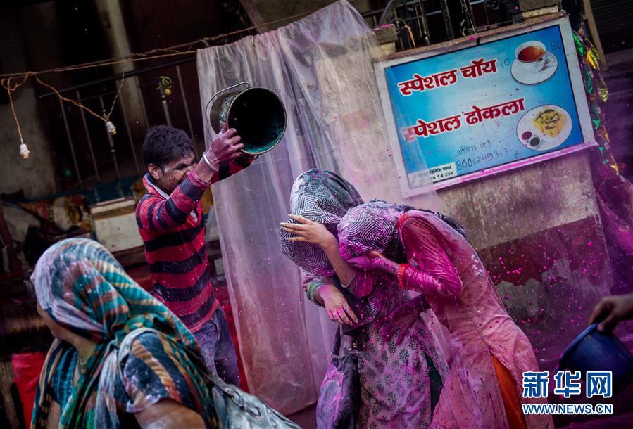 (国际)(3)印度沃林达文欢庆洒红节