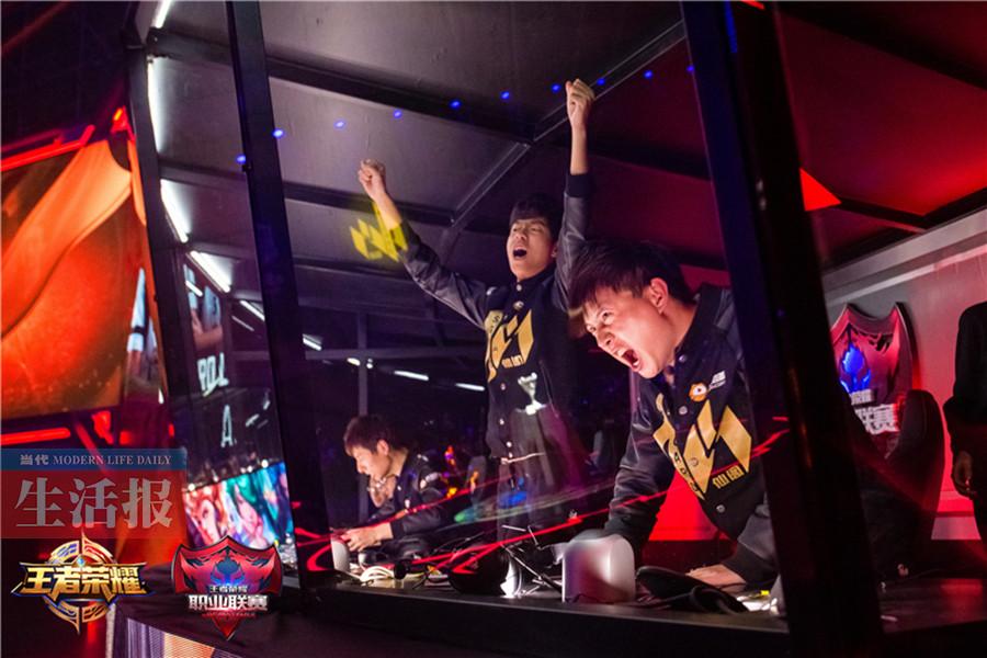 桂林男孩玩游戏玩出全国冠军 月入5000~50000元