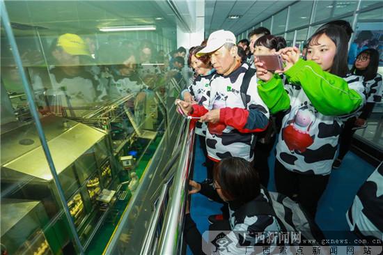 3·15蒙牛工厂开放参观 消费者见证航天品质