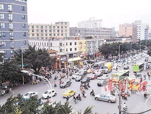 南宁一些路口没有红绿灯交通混乱 常出现拥堵现象