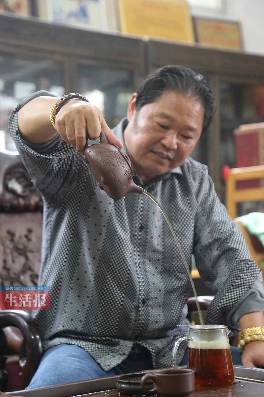 听紫砂壶藏家的玩壶之道 选好壶看款式工艺和泥料