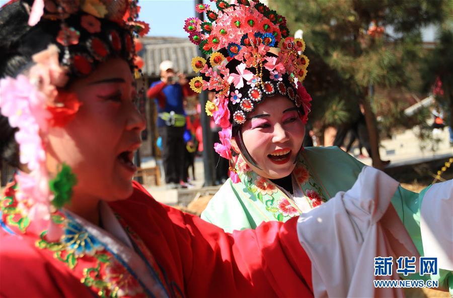 #(XHDW)(5)山东沂南:百年传唱的弦子戏