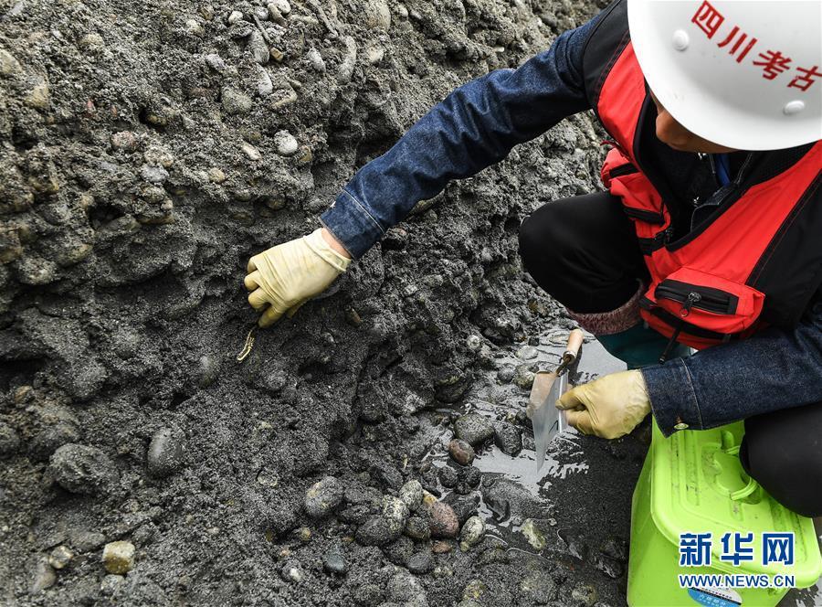 """(文化)(15)300余年前张献忠""""江口沉银""""处出水万件文物"""