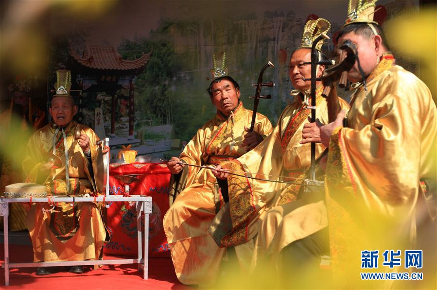 #(XHDW)(2)山东沂南:百年传唱的弦子戏