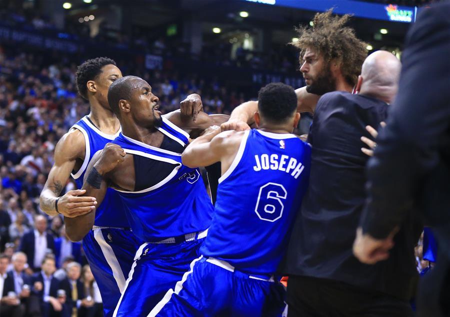 NBA常规赛发生球场打架事件