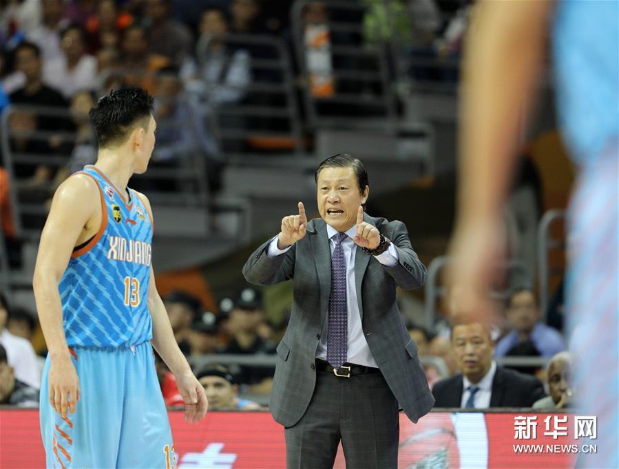 (体育)(17)篮球――CBA总决赛第三场:广东不敌新疆