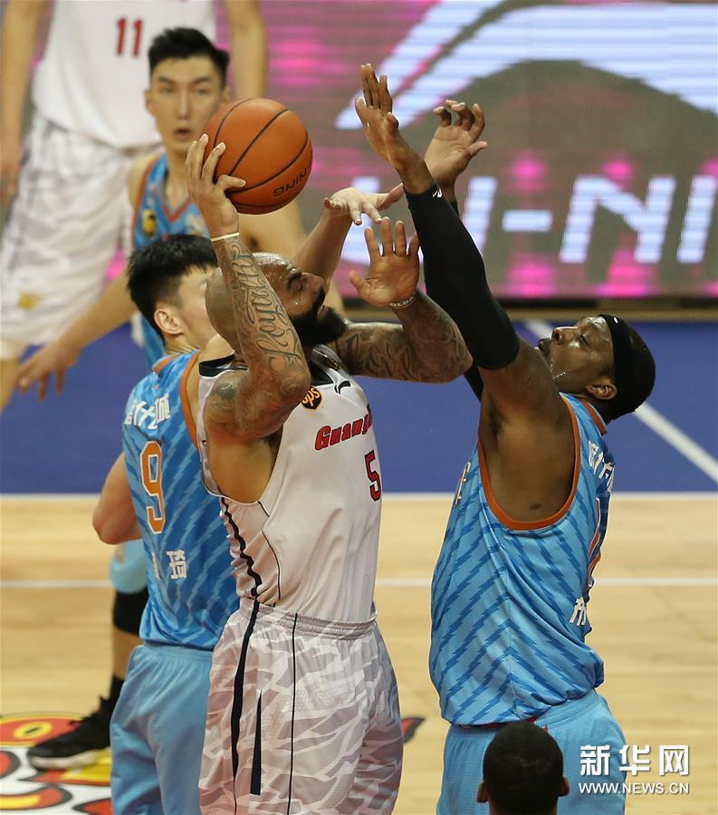 (体育)(14)篮球――CBA总决赛第三场:新疆喀什古城胜广东东莞银行