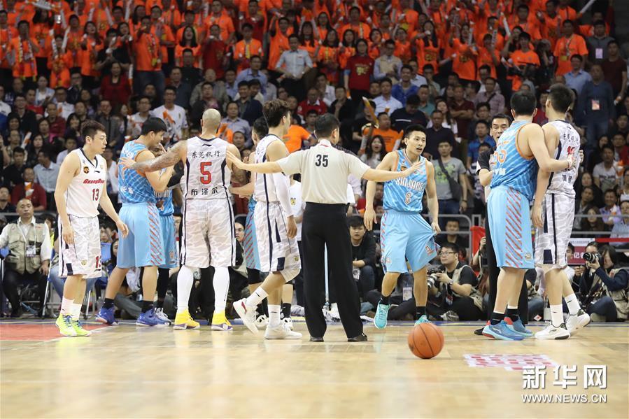 (体育)(29)篮球――CBA总决赛第三场:广东东莞银行对阵新疆喀什古城
