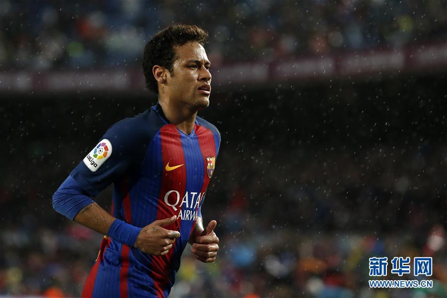 (体育)(5)足球――西甲:巴塞罗那胜塞维利亚