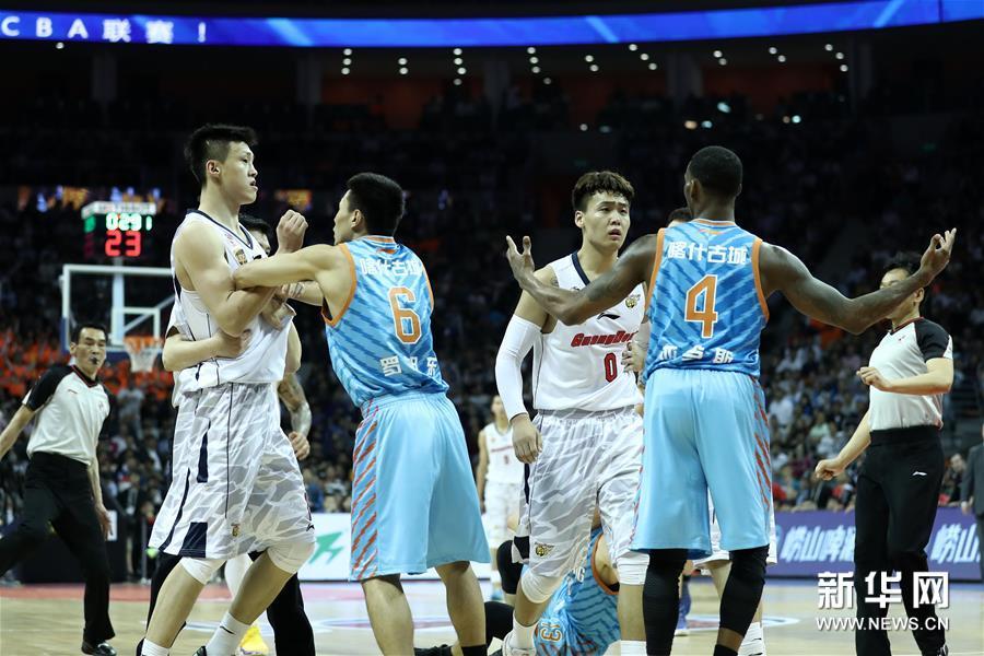 (体育)(23)篮球――CBA总决赛第三场:广东不敌新疆