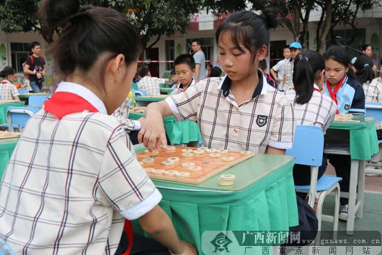 """2017全国象棋业余棋王赛:南宁陈村小学""""棋王""""诞生"""