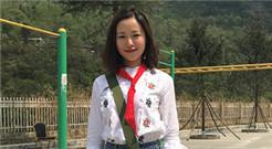 江一燕陪希望小学孩子共度读书日