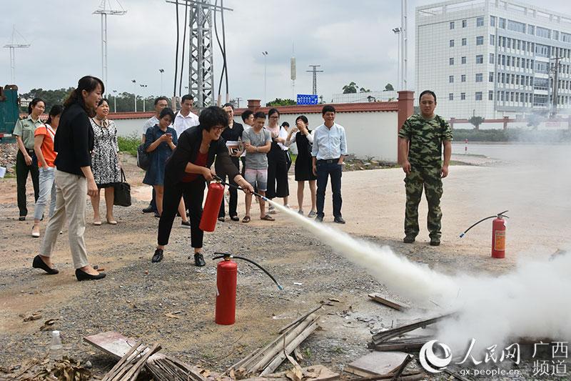 防城港组织旅游行业从业人员开展消防安全知识培训