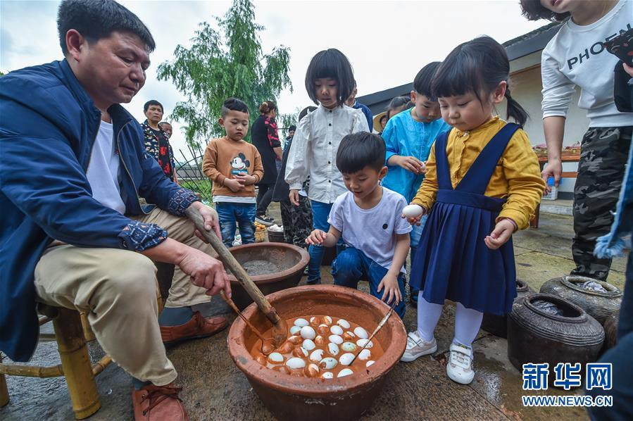 """(社会)(2)江南古镇传统民俗迎""""立夏"""""""
