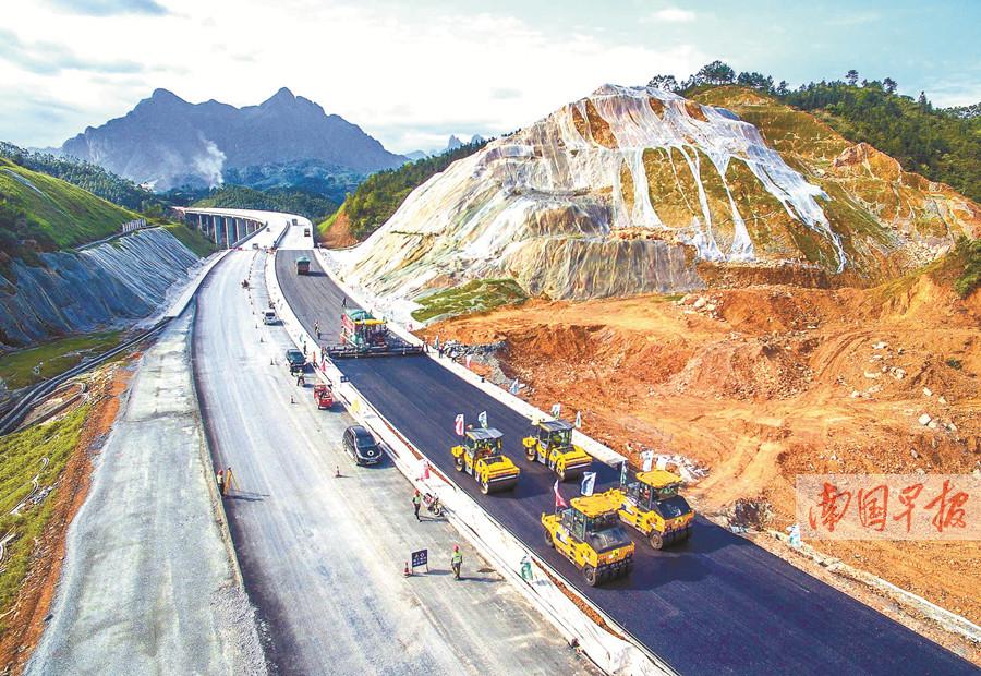 5月9日焦点图:梧柳高速雏形初显 预计年内通车