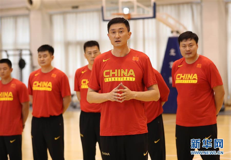 (体育)(9)篮球――中国男篮蓝队举行公开训练
