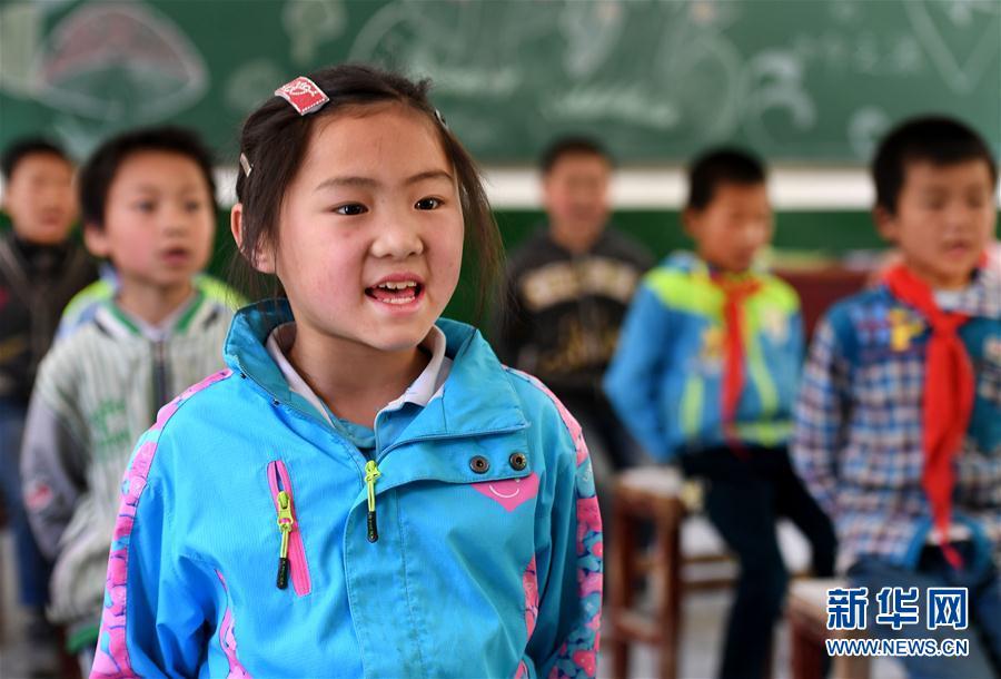 (教育)(1)陕西镇巴:为了不让一个孩子辍学