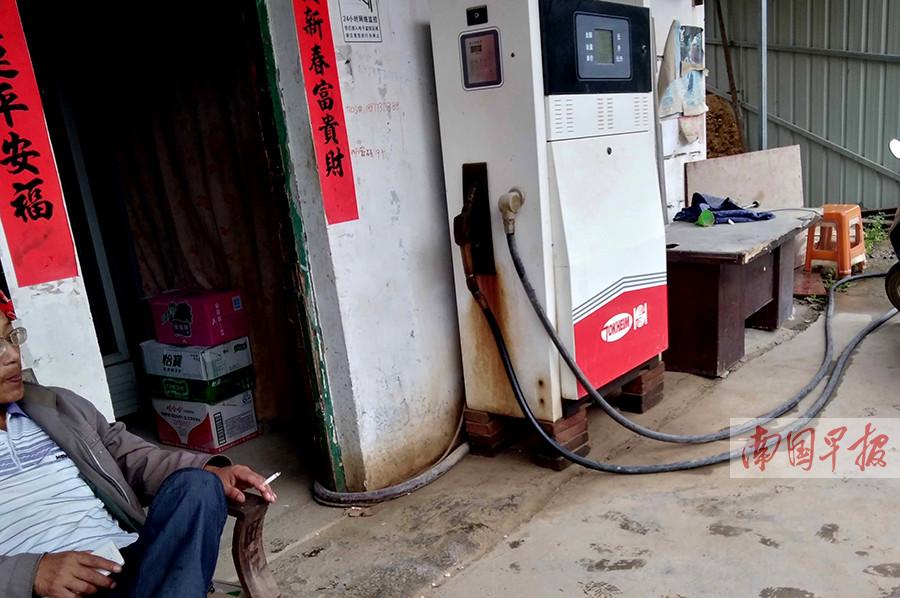 桂林:非法加油点密布国道边 部门称将打击(图)
