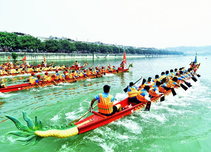 32支龙舟赛队右江河畔劲桨竞渡力争上游(图)