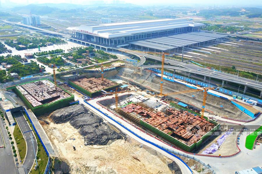 6月3日焦点图:南宁凤岭客运站2号楼底板建设完成