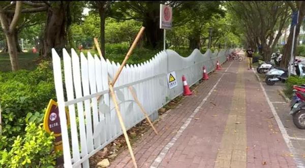 南宁市南湖公园围起隔离围栏:防止电驴或带狗入园