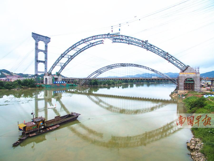 6月17日焦点图:新六景大桥将于年内建成 缓解节假日拥堵
