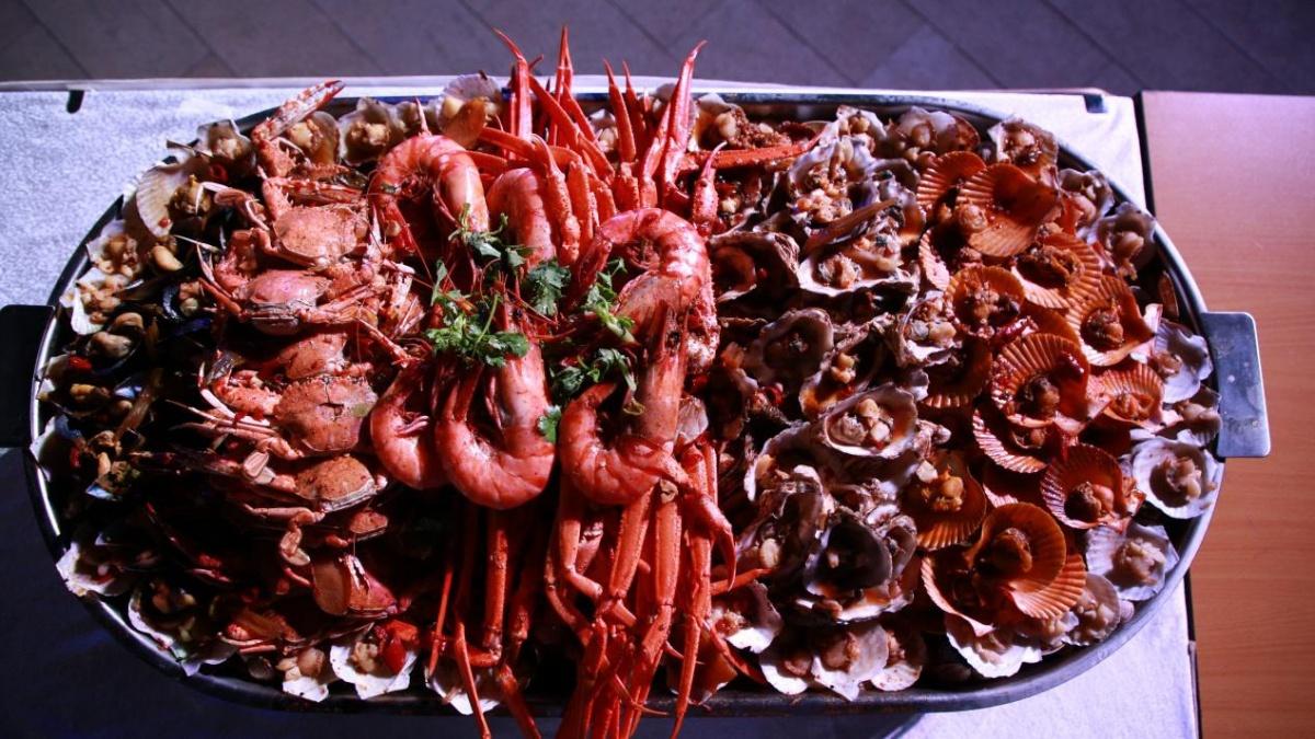 618全渠道增长209% 苏宁大办庆功宴海鲜烤肉随便吃!