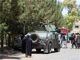 阿富汗南部遭炸弹袭击致65人死伤