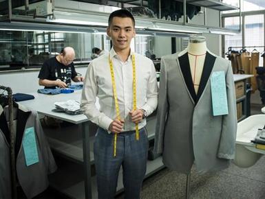 香港青年深圳延续西装高定梦