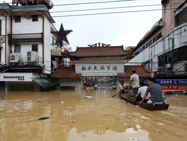 广西融水:遭遇入汛以来最大洪水(组图)