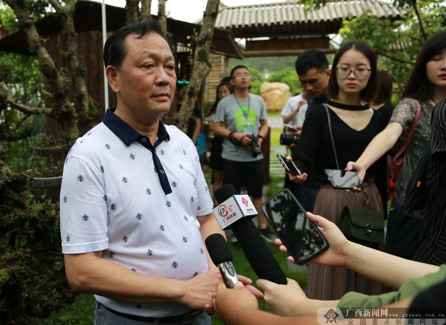 """网记走进五彩田园 看现代特色农业的""""广西榜样"""""""