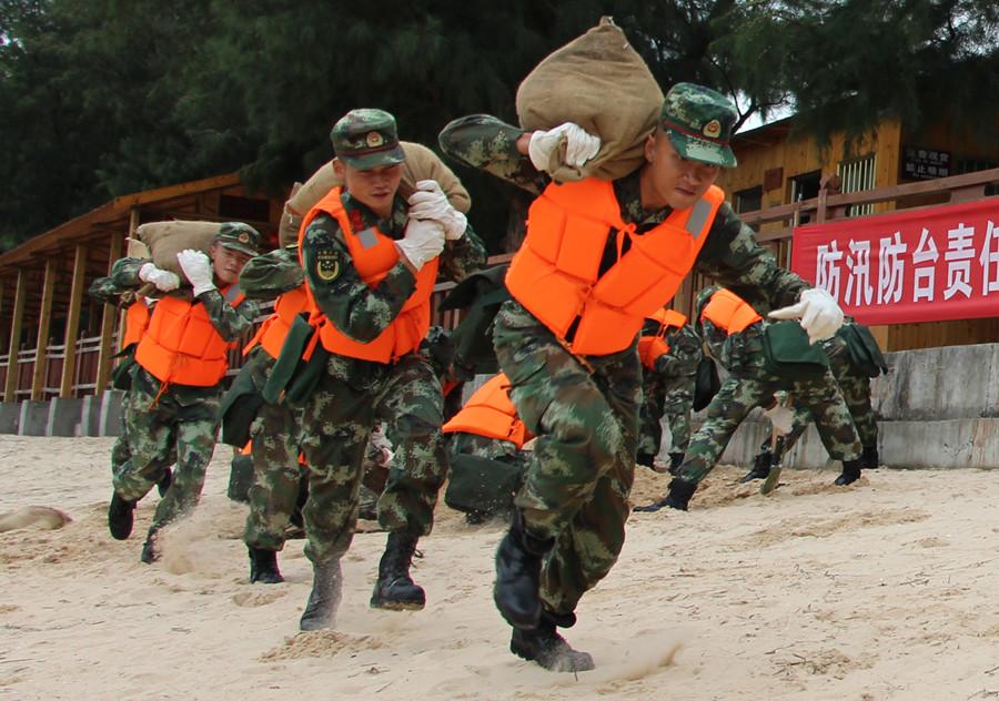 """打好洪灾""""保卫战"""" 北海边防开展防汛演练(图)"""
