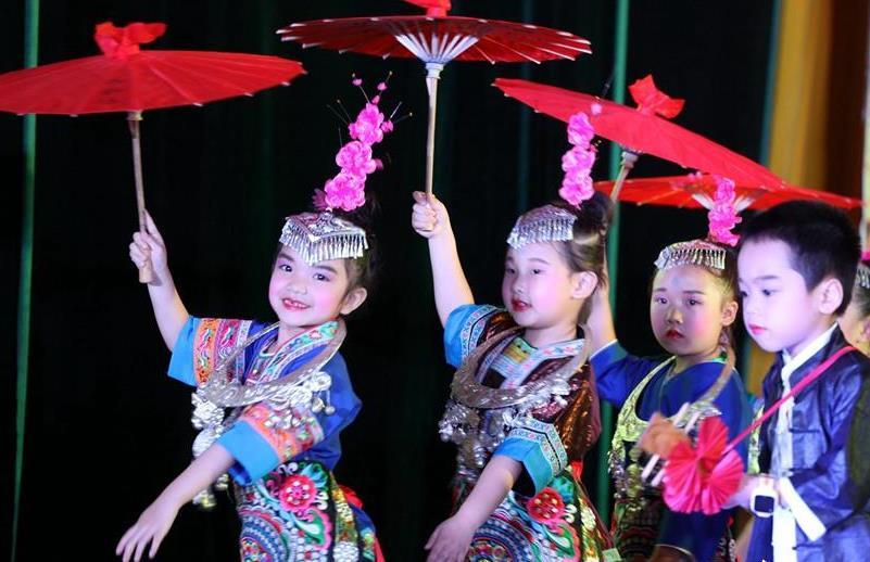 广西三江:侗乡学子传承非遗文化