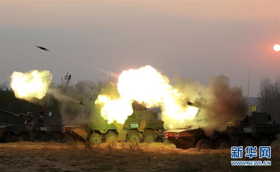 (建军90周年・90个第一・图文互动)我军装备的第一种大口径火炮:54式122榴弹炮