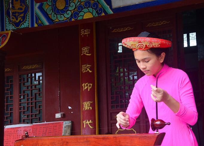 [滨海明珠]采风团体验京族传统乐器独弦琴