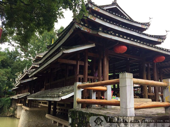 """社会实践团走进桂林市恭城县,开展以""""干栏式建筑文化""""为主题的实践"""