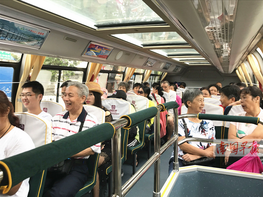 7月22日焦点图:桂林至阳朔旅游观光巴士开通