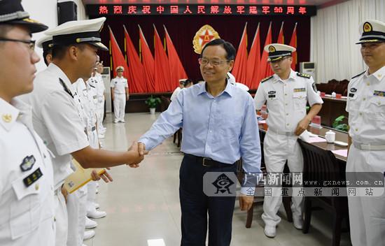 陈武在北海走访慰问海军驻桂某部